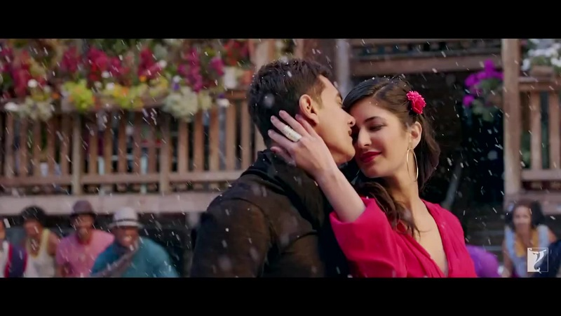 Katrina Romance with Aamir Khan in Dhoom 3