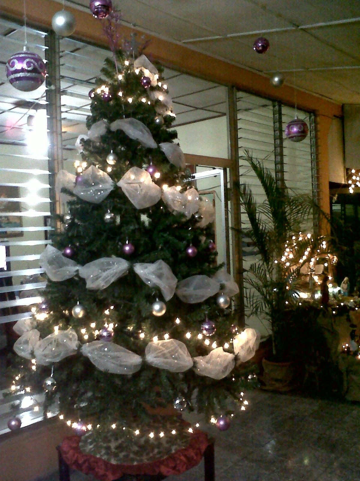 Arte y medios de comunicaci n masiva el art camp en el - Como poner el arbol de navidad ...