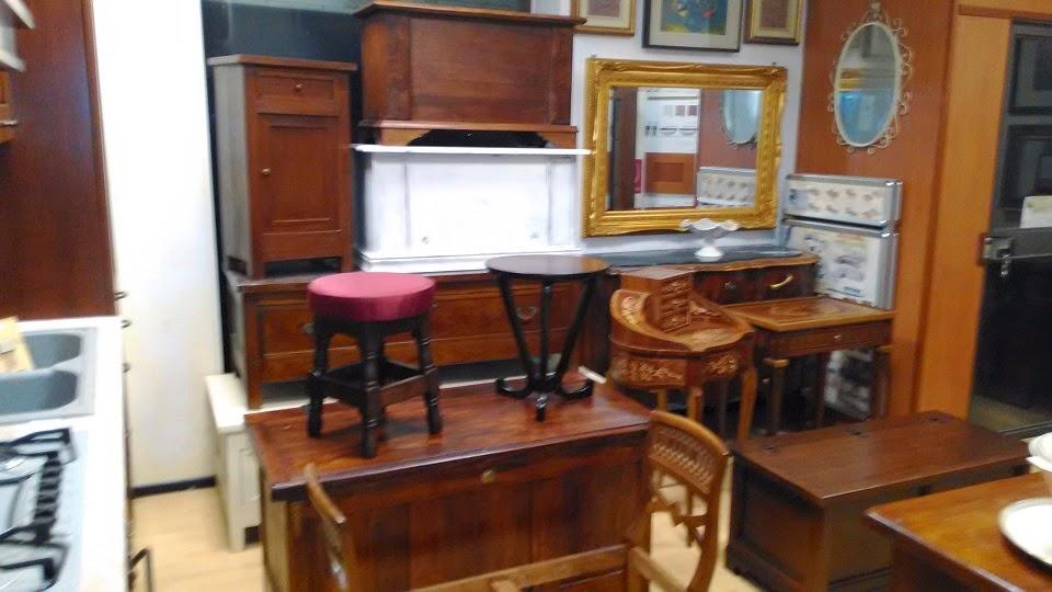 Mobili ufficio antichi for Divani antichi usati