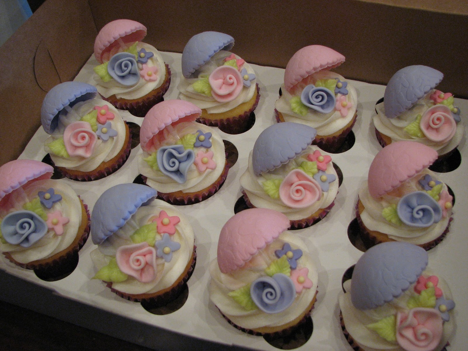 designs april showers bring may flowers baby shower cupcakes