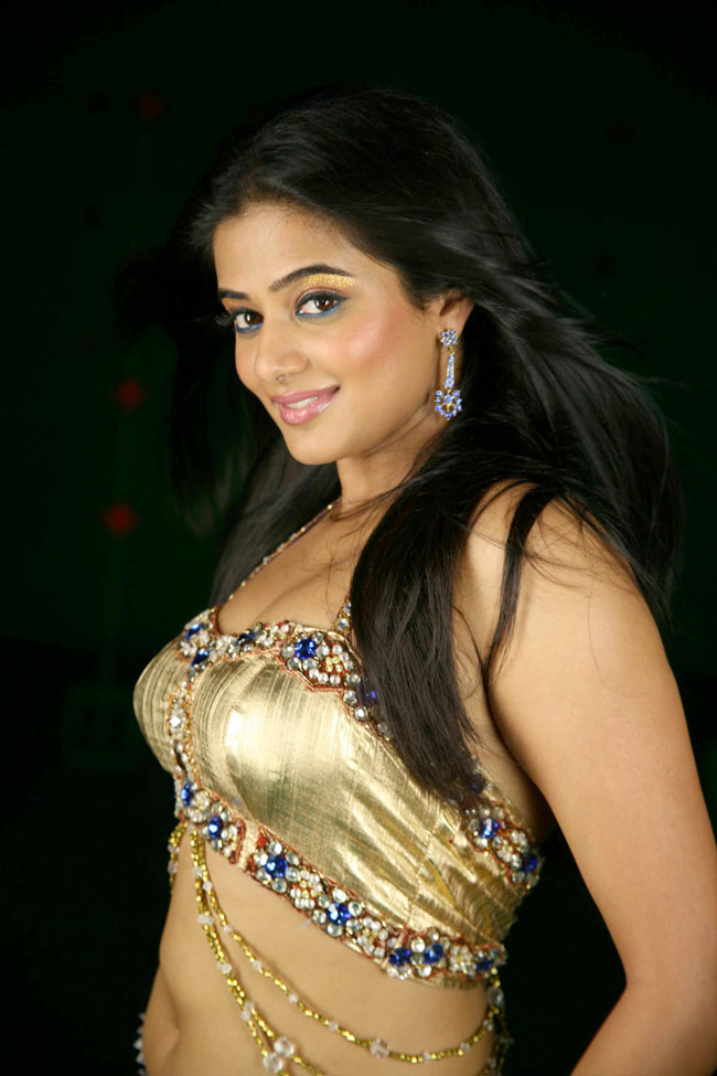 Priyamani Hot Shoot Still From Lakshmi Kannada Movie