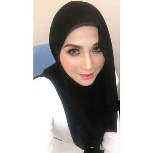 Selfie Cun Jue Aziz yang Semakin Flawless Bertudung Ini pasti Menjadi Trend!!! ( 7 foto)