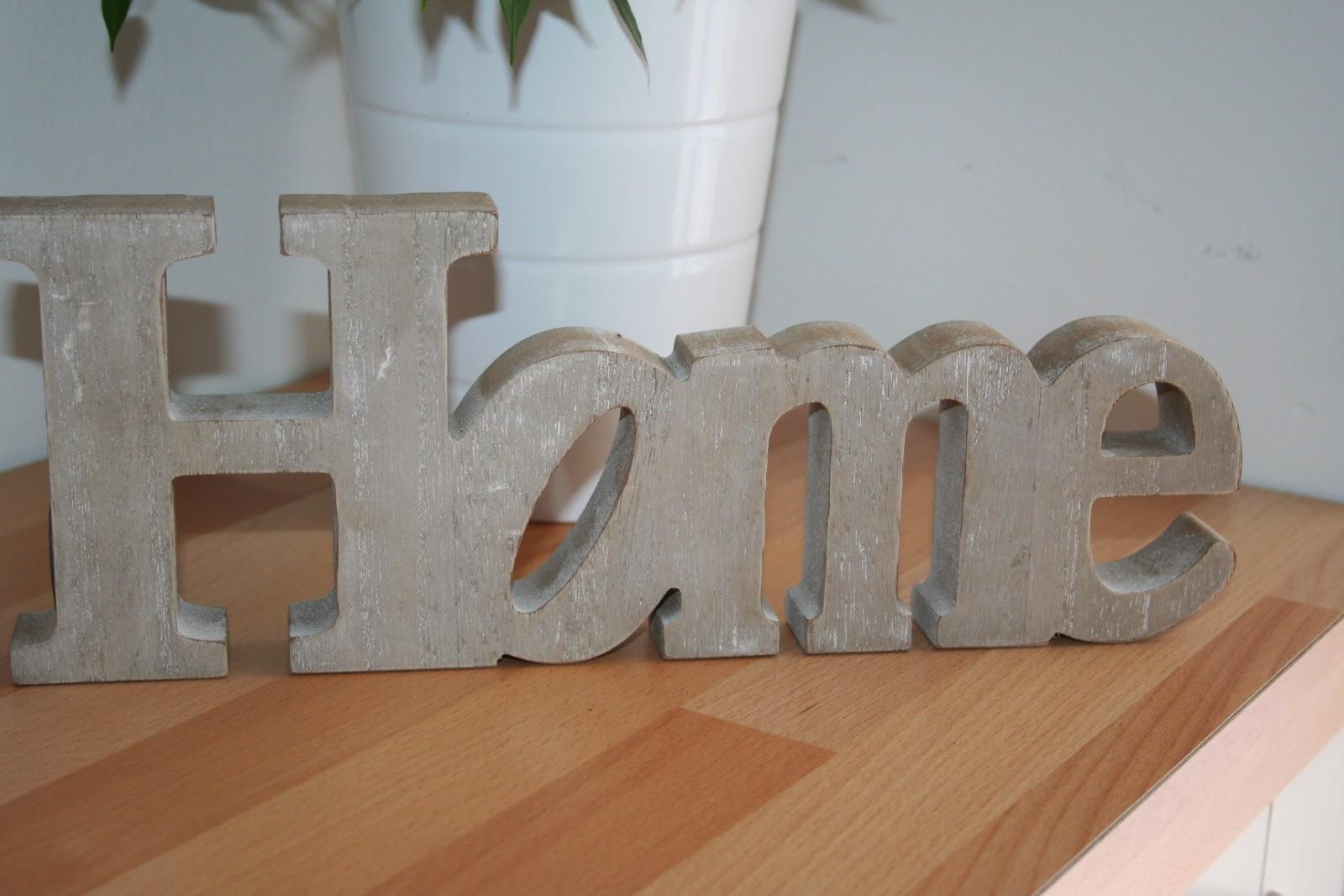 Landlilly piccole soddisfazioni - Scritte in legno shabby ...