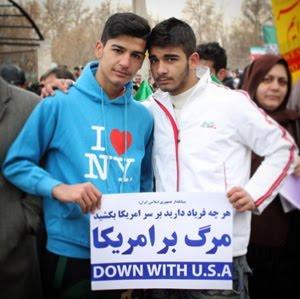 در حاشیه راهپیمایی ۲۲ بهمن ۱۳۹۴