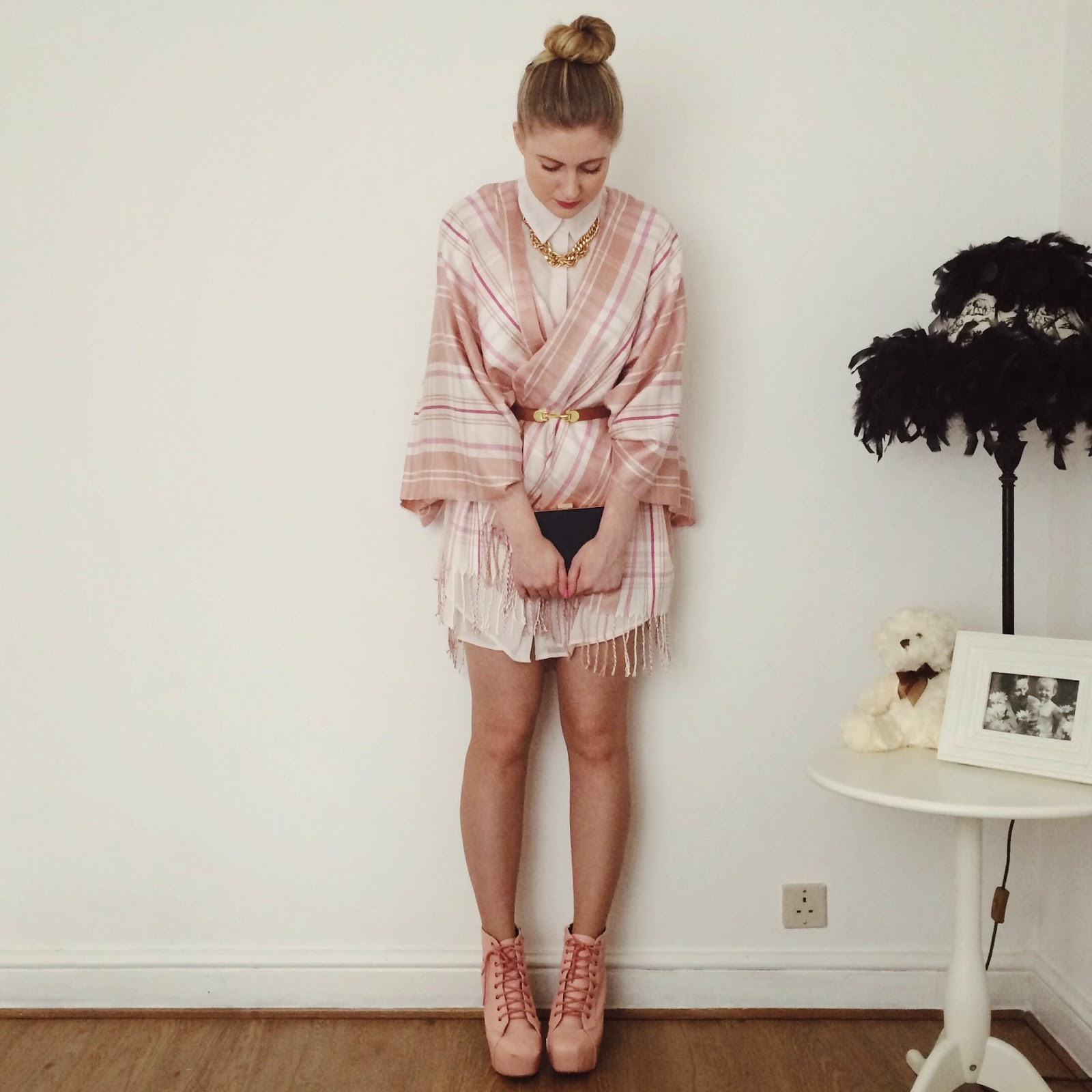 FashionFake, a UK fashion and lifestyle blog. Paint the town pink with this cute Spring ready outfit!