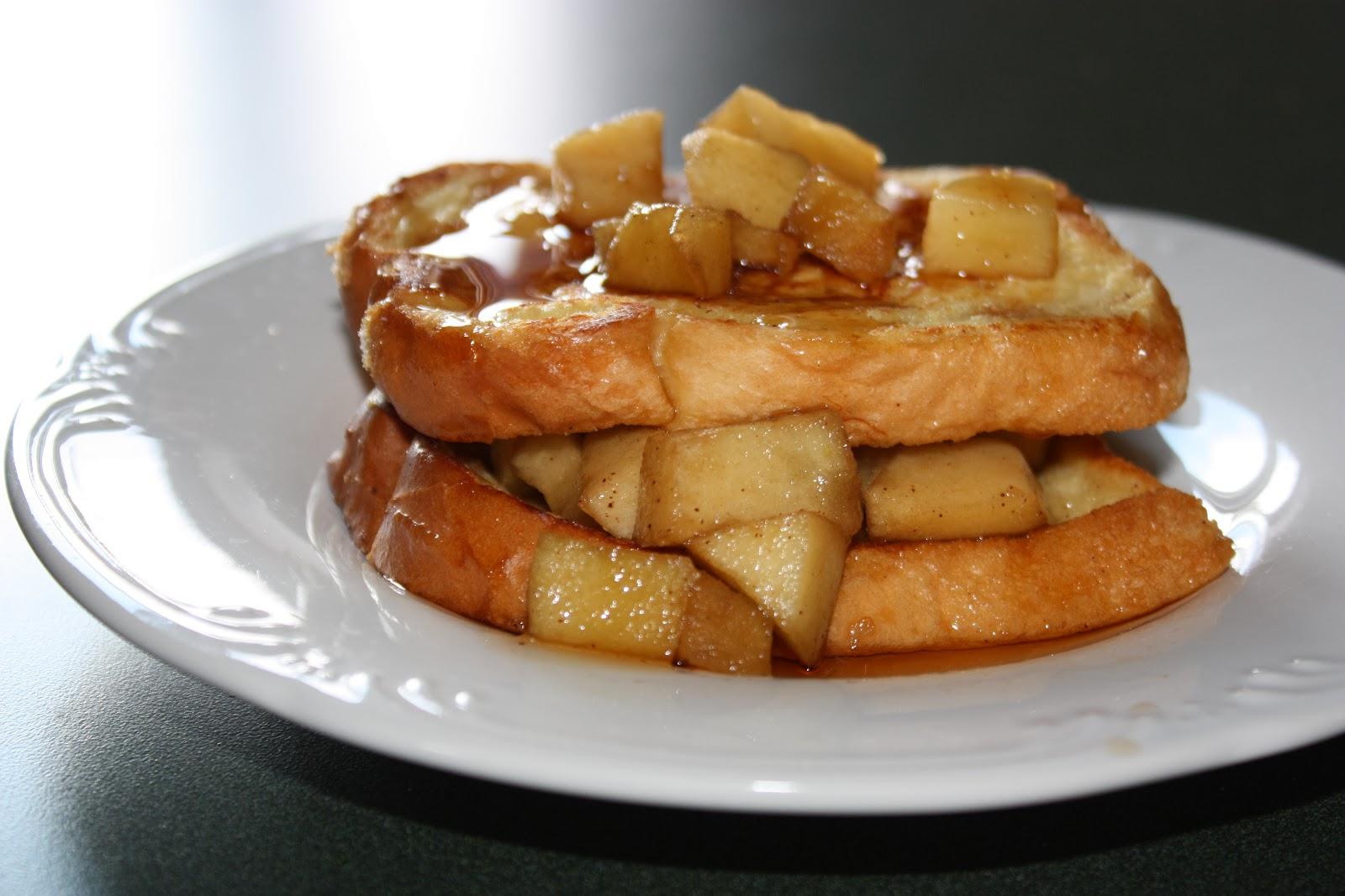 Mostly Homemade Mom: Apple Stuffed French Toast