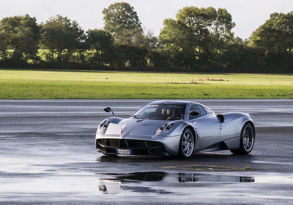 pagani huayra top 10 fastest cars in the world auto