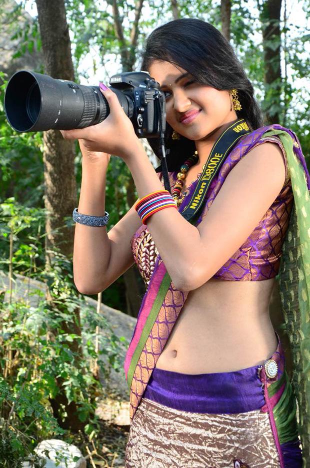Actress Kowsalya Navel show in Saree - South Indian Actress
