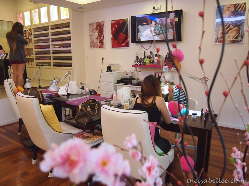 beeQnails Salon interior