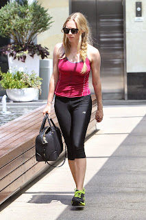 amanda-seyfried-in-tights-leaves-a-gym-in-west-hollywood-august-2012-_8.jpg