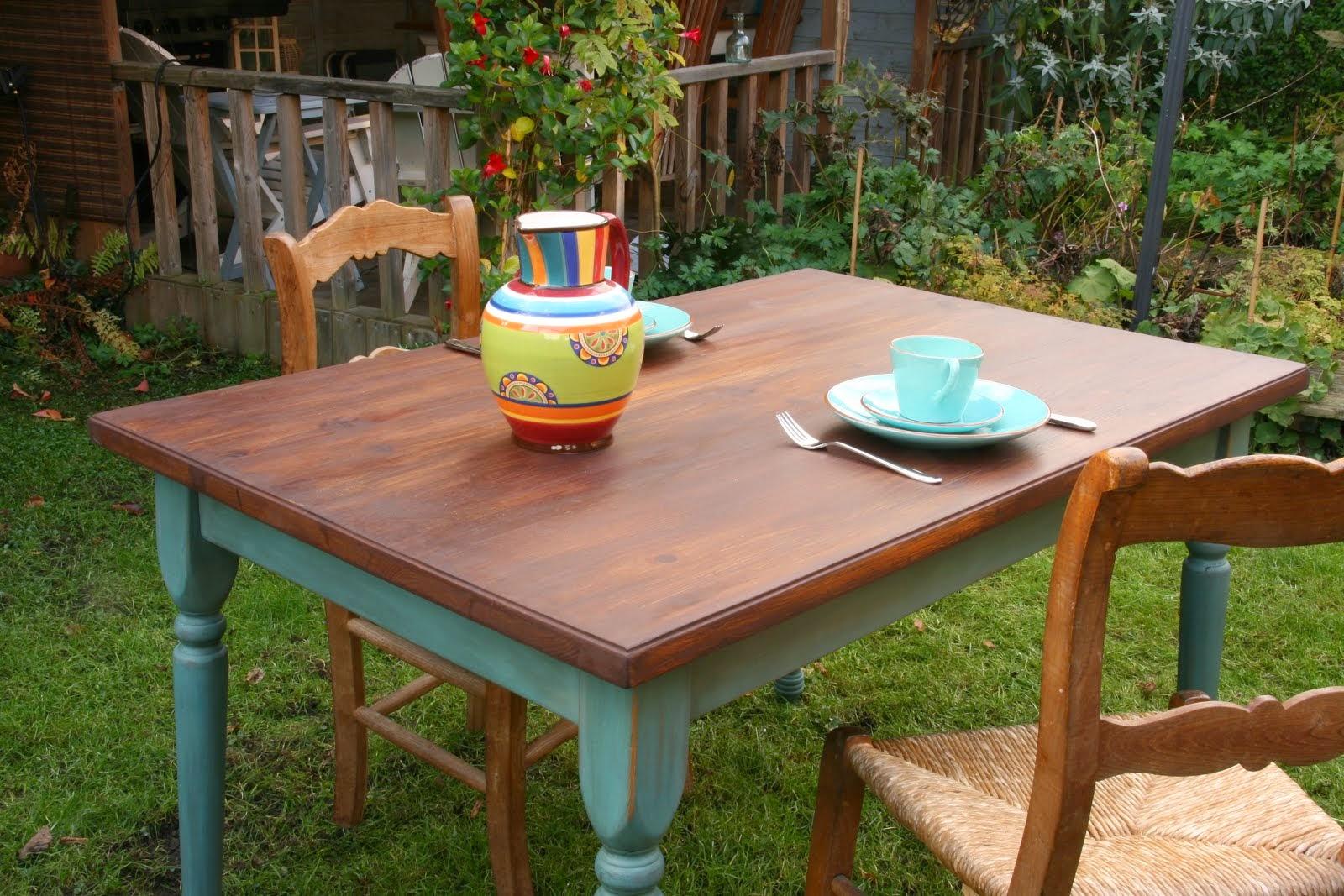 """Eettafel """"Frans"""" landelijke stijl"""