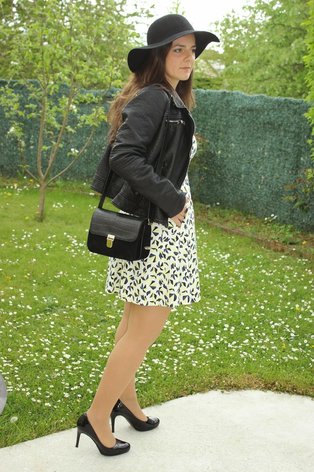 robe imprimé floral zara, perfecto noir, capeline en feutre noire, sac actrice sandro