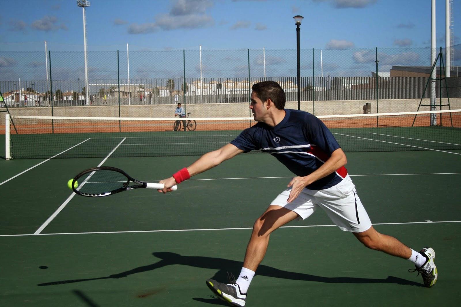 El tenis como ejercicio aeróbico además de un deporte divertido