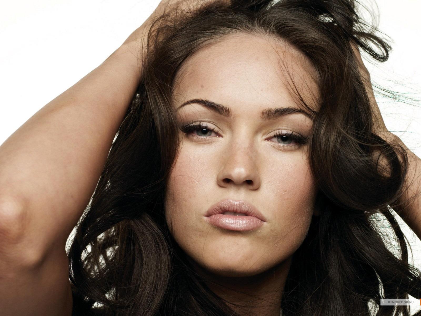 http://2.bp.blogspot.com/-mGu4Sh7Q0Ic/TnZQ-3dMH4I/AAAAAAAAAUc/vAtx2nQIXpQ/s1600/Megan-Fox-kiss-756.jpg