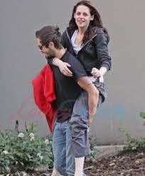 Kristen Stewart Boyfriends on Super Stars Wallpapers  Kristen Stewart With Boyfriend Images 2012