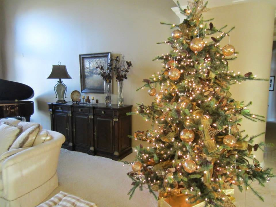 4 simple steps to decorating a designer christmas tree
