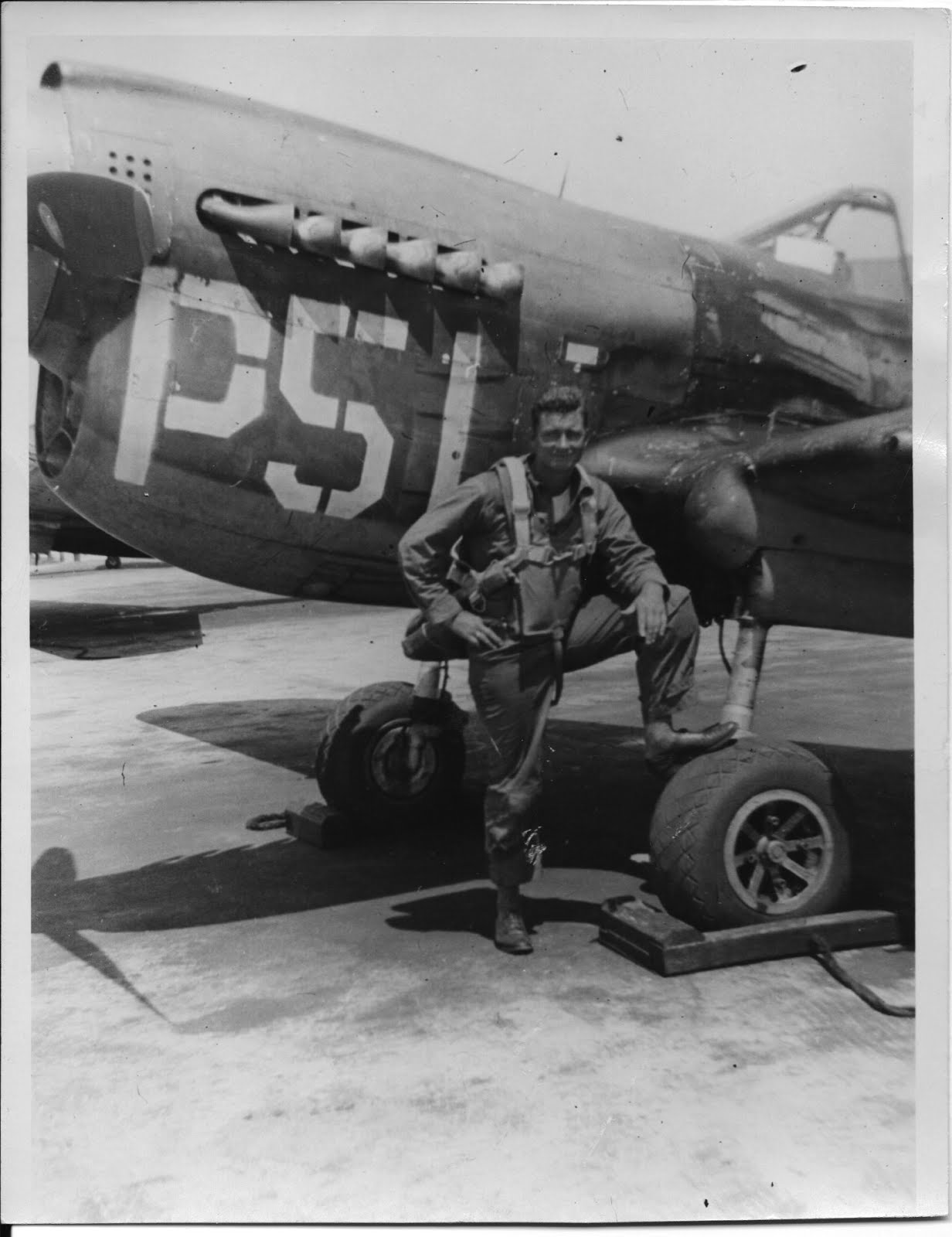 Bruce F Jepsen in front of P-51.