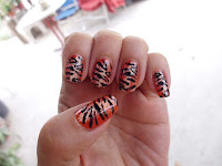 manicura tigre naranja