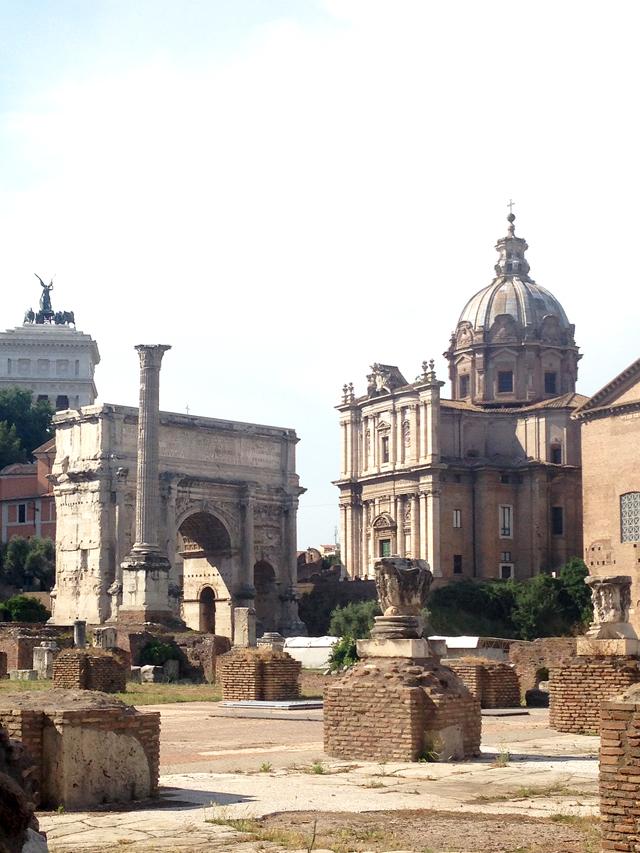 Internet Cafe Near Colosseum Rome