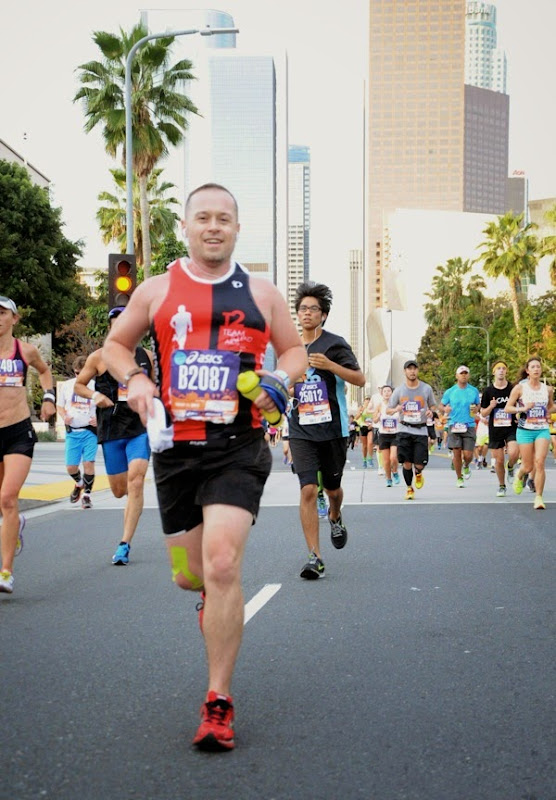 2015 LA Marathon runner Downtown