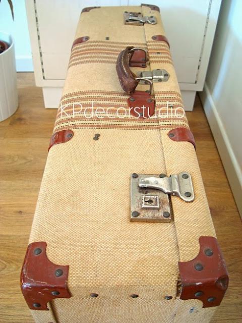 Maletas antiguas para bodas. Decorar boda con maleta antigua