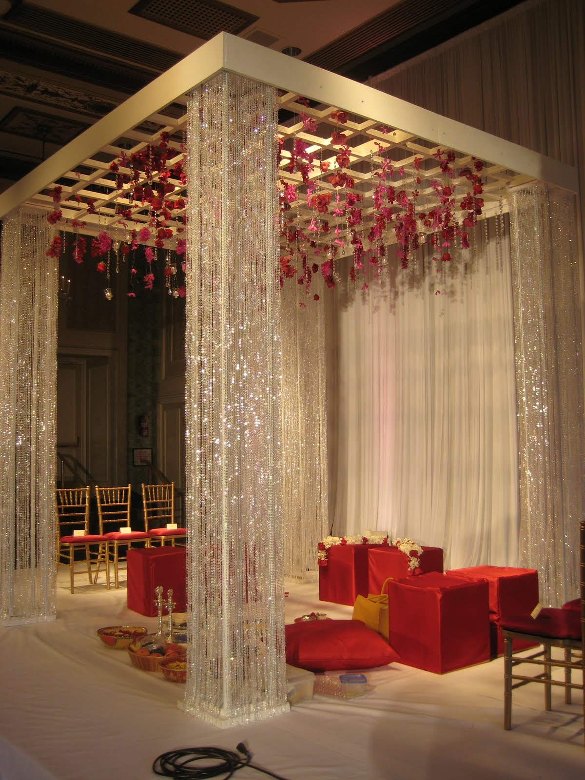 Wedding stages mandap decoration ideas decorate it to for Red modern decor