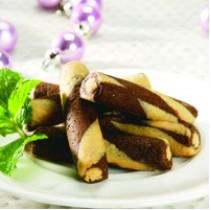 Resep Kue Cokelat Putih Roll Kacang Enak
