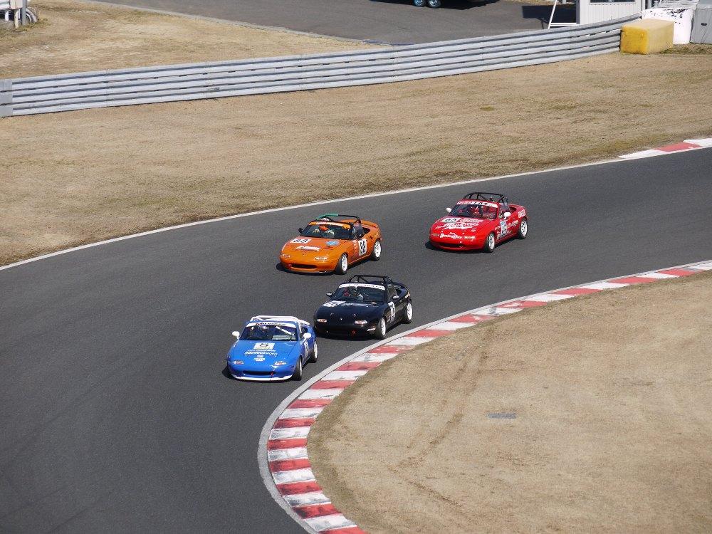 Mazda MX-5, NA, Miata, Eunos Roadster, kultowe roadstery, małe samochody do sportu, z napędem na tył, cenione sportowe auta, スポーツカー、チューニングカー、自動車競技