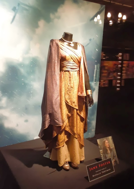 Natalie Portman Jane Foster costume Thor Dark World