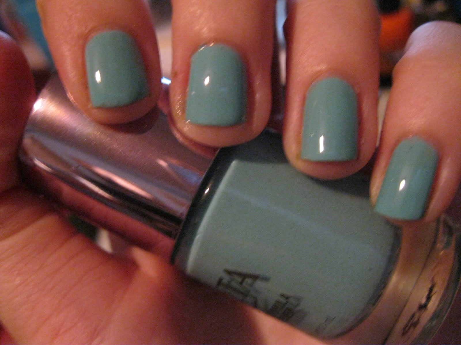 Colors that Look Good on Short Nails: Part Une