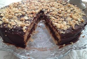 Kakaolu Çikolatalı Fındıklı Pasta Tarifi