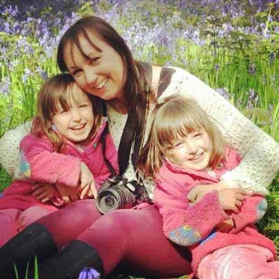 Lisa with her two daughters
