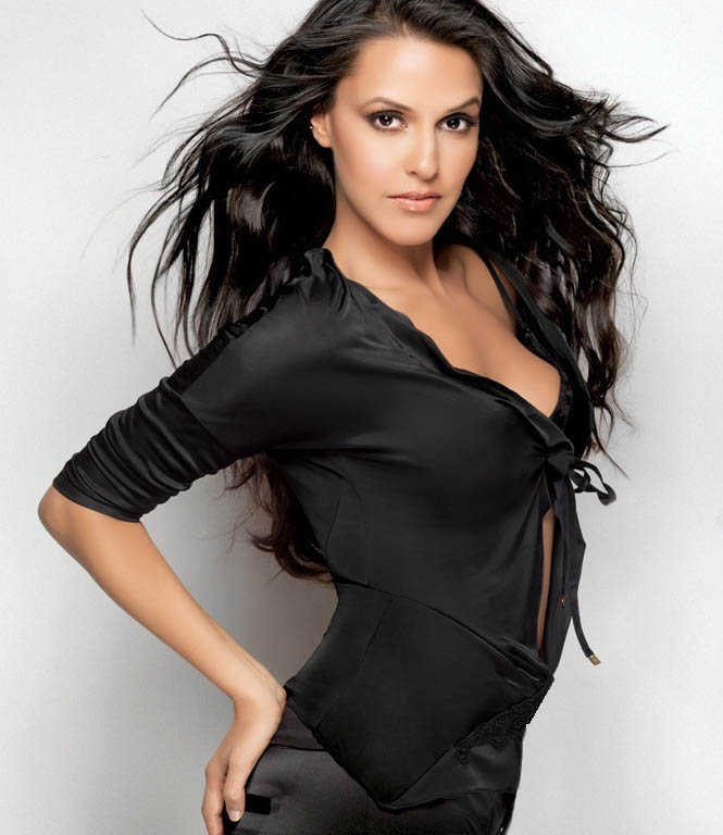 hot indian actress neha dhupia photo 02