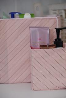 pudełko, pudełeczko, recykling, przechowywanie, na kosmetyki, porządek, wypustka, różowe, DIY, box, box, recycling, storage for cosmetics, order, tab, pink, DIY