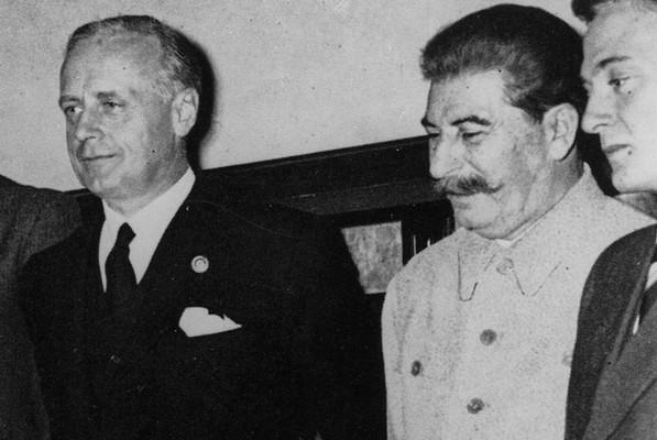 Иоахим фон Риббентроп и Сталин