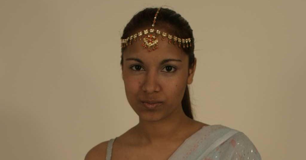 కామ దేవత : GAYA PATAL-INDIAN BITCH