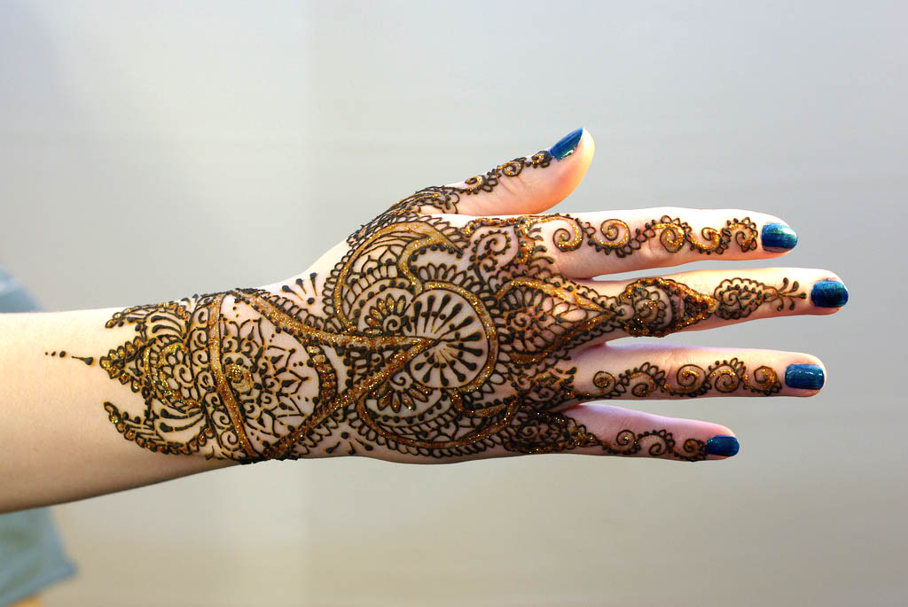 Mehndi Traditional Designs : Traditional mehndi designs latest fashion club