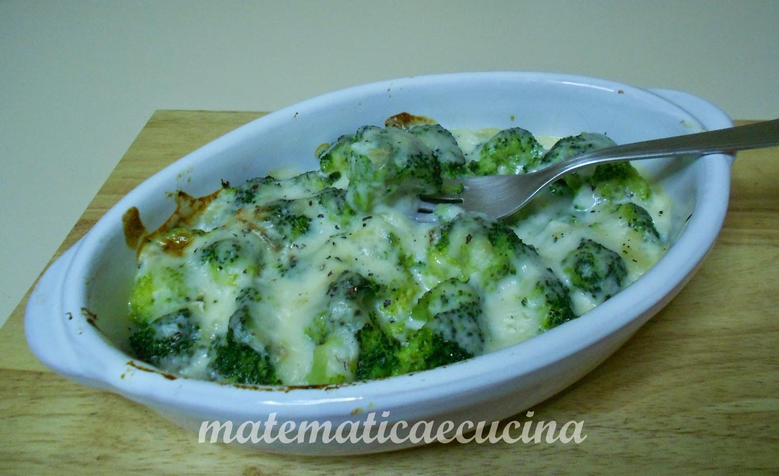 broccoli gratinati al forno con taleggio e besciamella