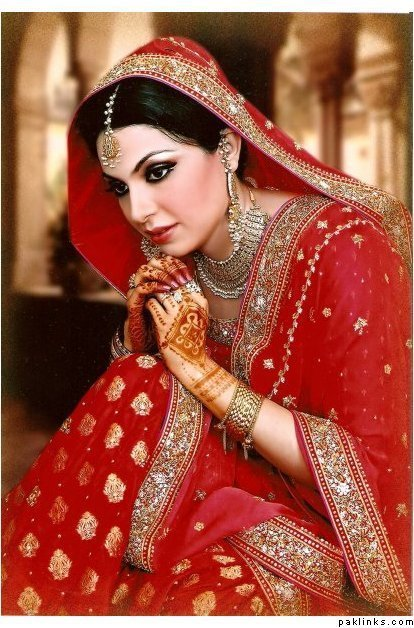 dulhan in red saree