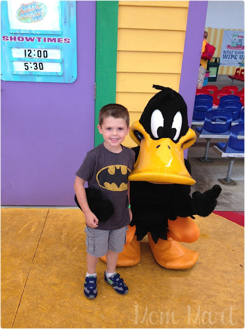 Daffy Duck at Six Flags