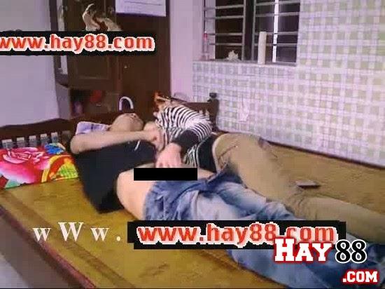 Clip sex nữ sinh Phú Thọ làm tình trong phòng trọ 2013 - 1