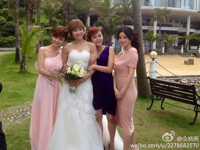 beritakpop.com_Victoria_Wedding_Dress_01.jpg