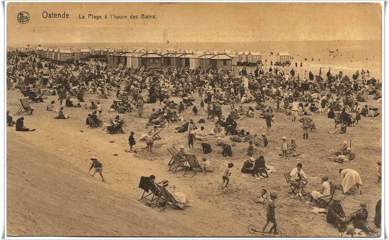 Ostende La Plage a l'heure des Bains in 1920s