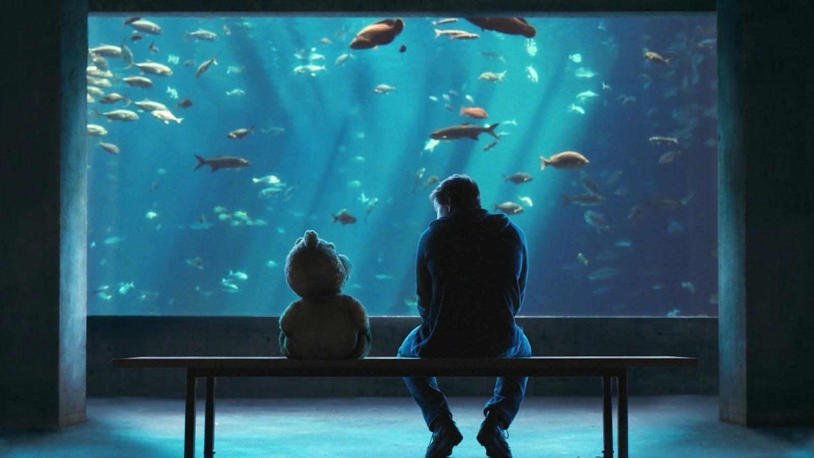Ted movie ted and johnny mark wahlberg at aquarium jpg