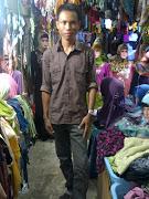 . ke Plaza, coz kalo gw bandingkan di pasar berbas koleksix lebih byak,.