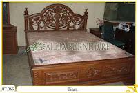 Tempat tidur ukiran Jepara kayu jati Tiara