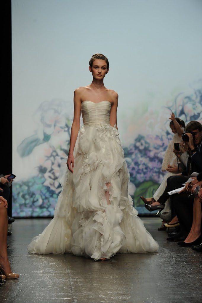 Monique_Lhuillier_Wedding_Dress+fall+2012