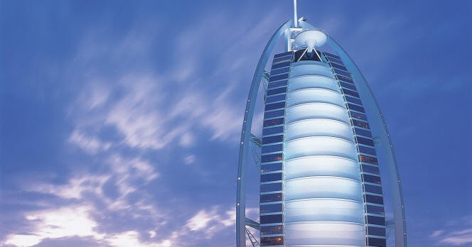 Famous buildings of the world 7 star hotels in dubai for K porte inn hotel dubai