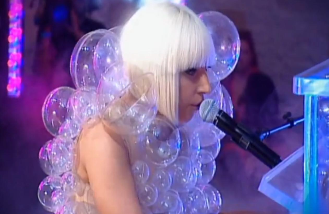 http://2.bp.blogspot.com/-mLl3QoavLWI/TirSRr95nXI/AAAAAAAABHQ/zPSN3CV_cy0/s1600/Lady+Gaga+Live+at+Chapel+Australia%252C+Paparazzi%252C+Acousic%252C+bubbles%252C+bubble%252C+kid%252C+kids%252C+play%252C+piano%252C+fan%252C+concert%252C+sexy%252C+sex%252C+UFO%252C+sighting%252C+Jack+Black%252C+Angelina+Jolie%252C+Michael+Jackson%252C+Beatles%252C+Mickey+Mouse4.png