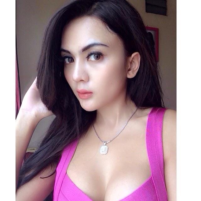 Foto Selfie Anggita Sari Model Cantik dan HOT